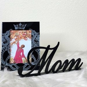 Mom is Queen decorative set frame Mom name plate